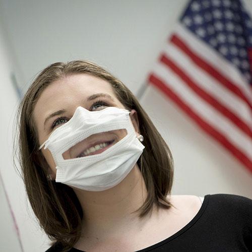 מסיכות פנים לתקשורת בין אישית מאושרות FDA